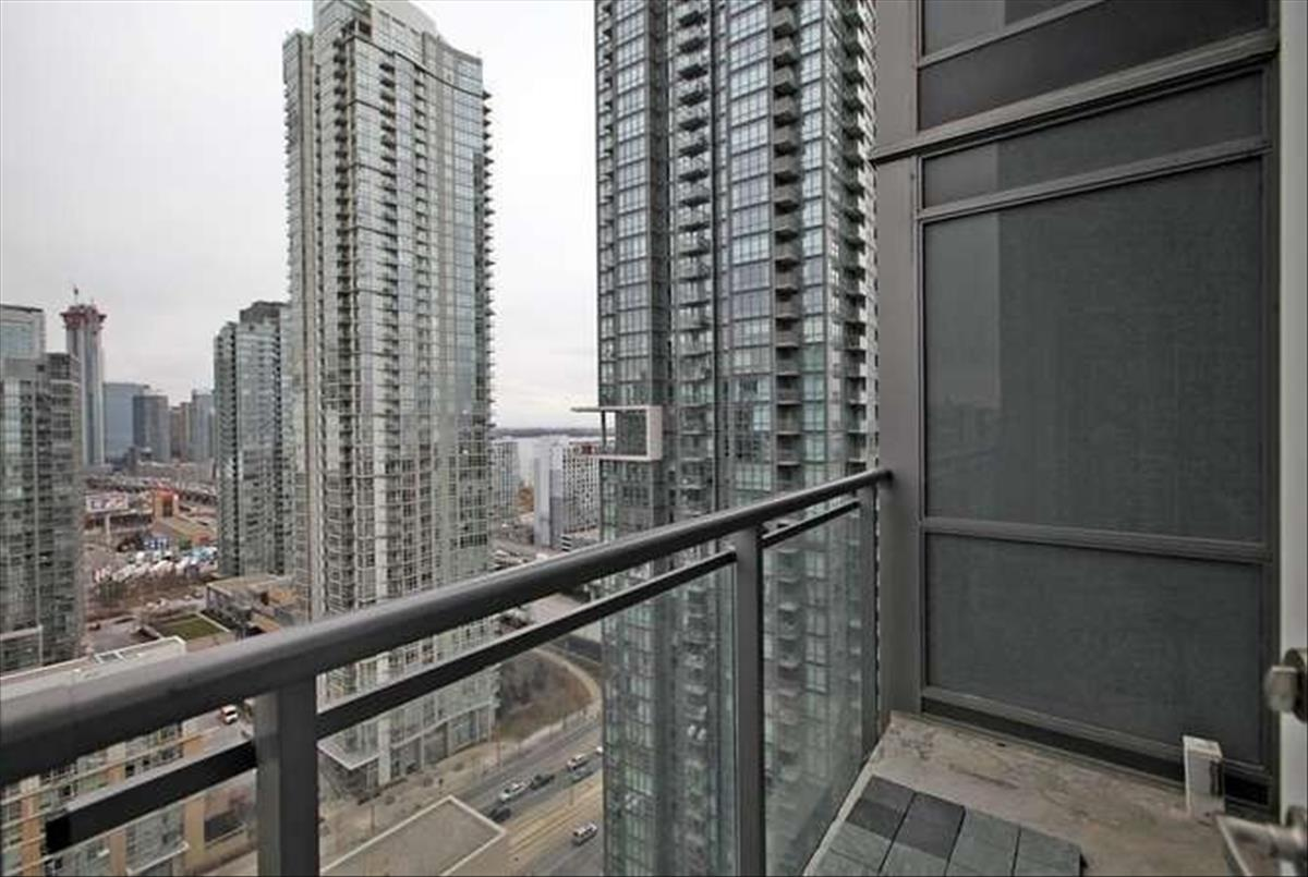15 Fort York Blvd Toronto Ted Prothero